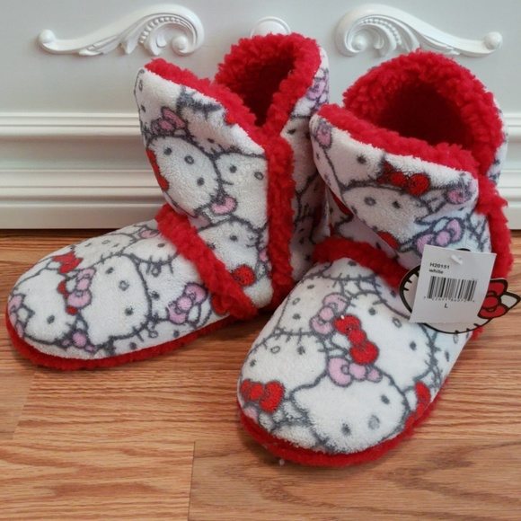 bac7dcd13 Sanrio Shoes | Unused Fuzzy Hello Kitty By Boots | Poshmark